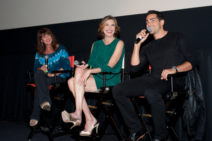 Jesse Metcalfe and Brenda Strong answer audience questions at their celebrity appearance for TNT network premiere of DALLAS, ICON Theater, Chicago