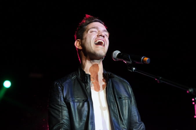Andy Grammer performing at Thresholds LIMELight annual fundraiser 2015
