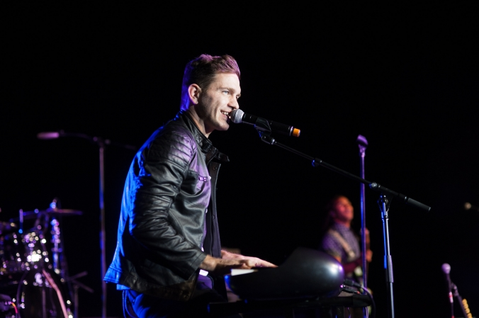 Popstar Andy Grammer (Honey I'm Good) performs at Thresholds annual #LIMELight  fundraising event