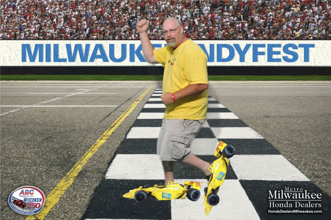 man wears formula cars for roller skates, milwaukee indyfest, green screen onsite photo print souvenir, sponsored by milwaukee honda dealers, green screen photography by fab photo chicago