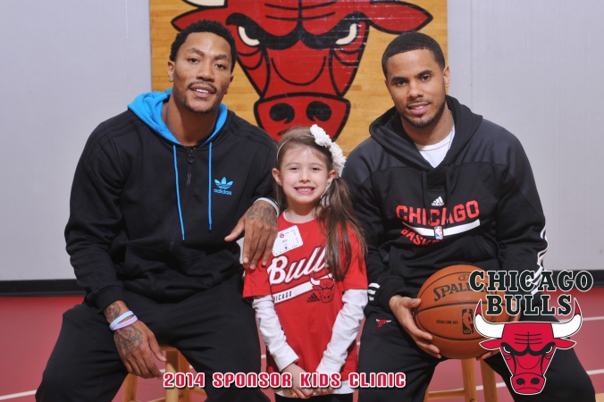 Derek-Rose-Chicago-Bulls-2014-sponsor-kids-clinic