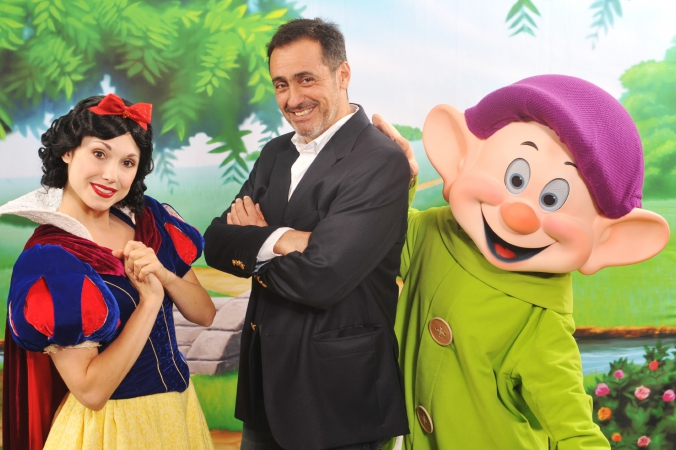 disney-destinations-step-repeat-snow-white-studio-location-lighting-fabphotochicago