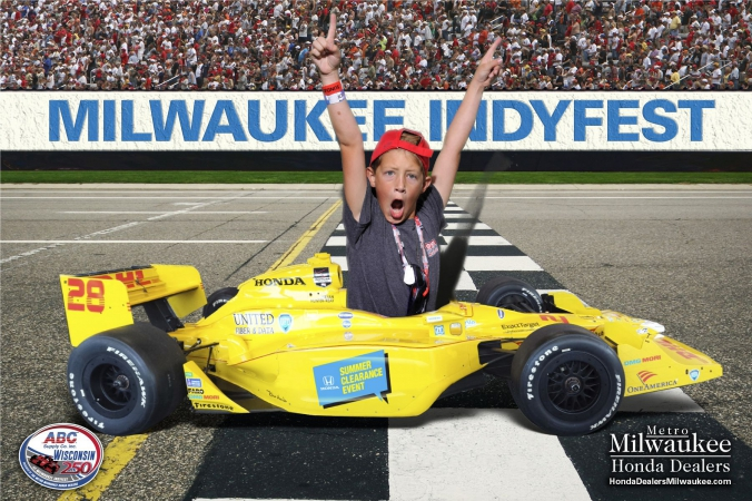 psyched kid, logo branded green screen photo printed onsite for honda, milwaukee indyfest
